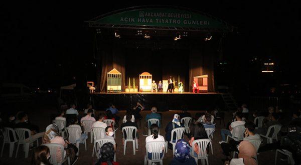 Akçaabat'ta İkinci Açık Hava Tiyatro Günleri